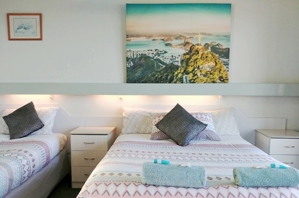 Twin Standard Ocean View Room Accommodation at Ocean View Motel - Mollymook NSW. Free Wi-Fi isincluded.